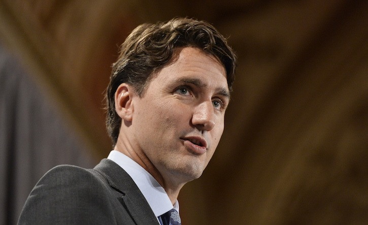 Canadian PM Justin Trudeau meets with Cuban students and activists on Tuesday.