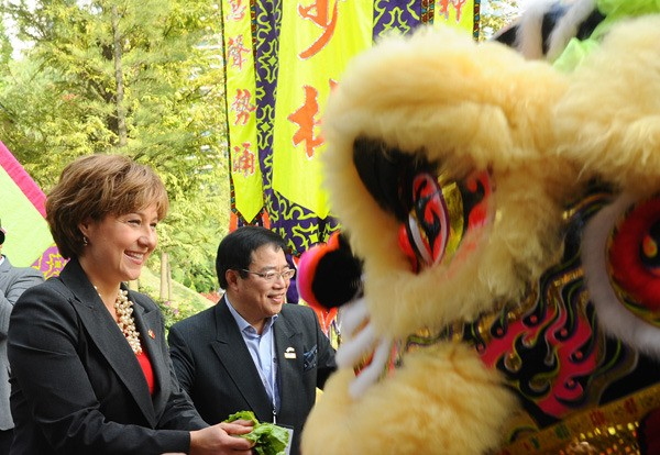 Premier Christy Clark meets performers during her trade mission to China this week.