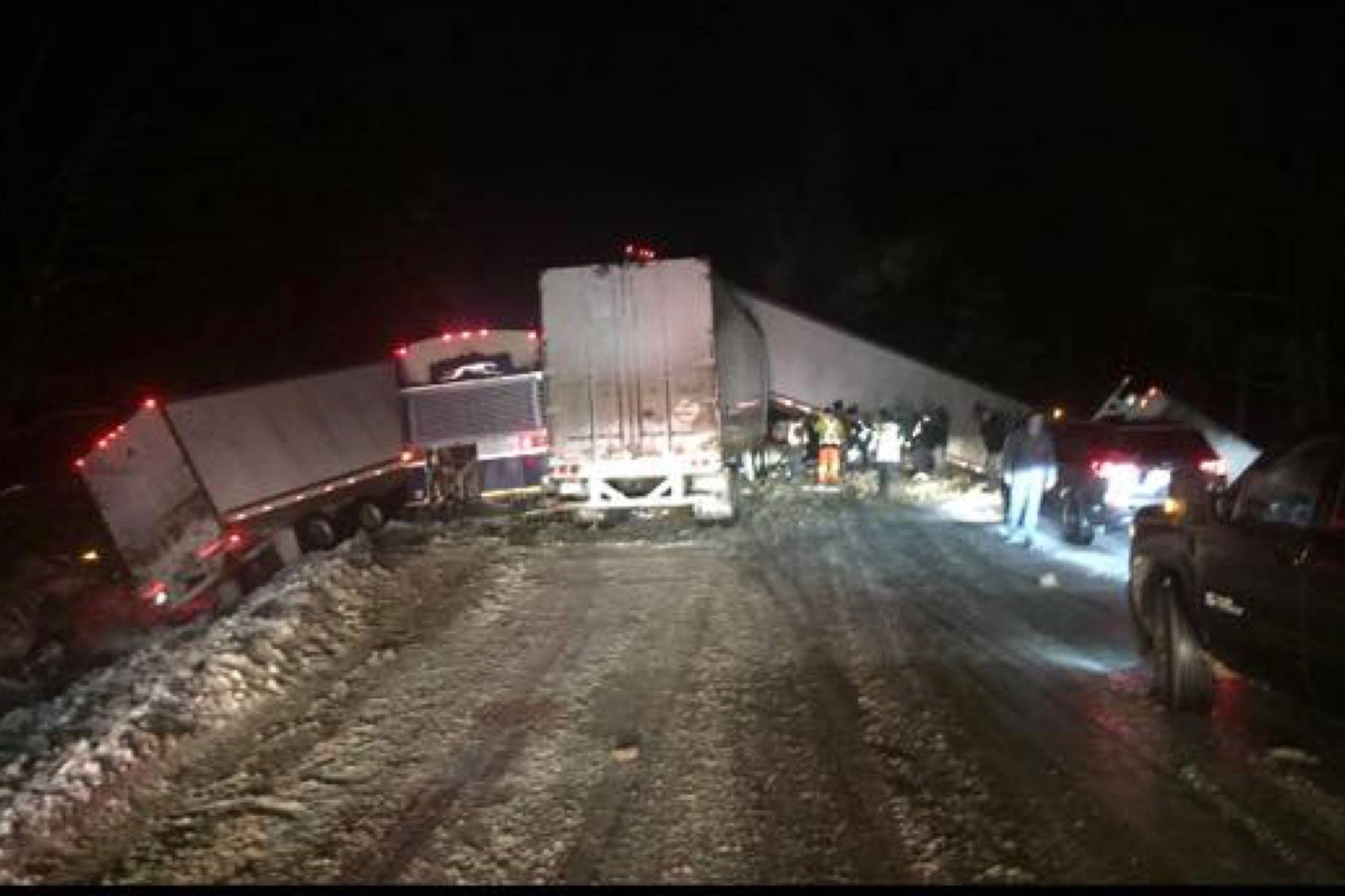 UPDATED: Coquihalla fully reopen after crashes send 29 to hospital