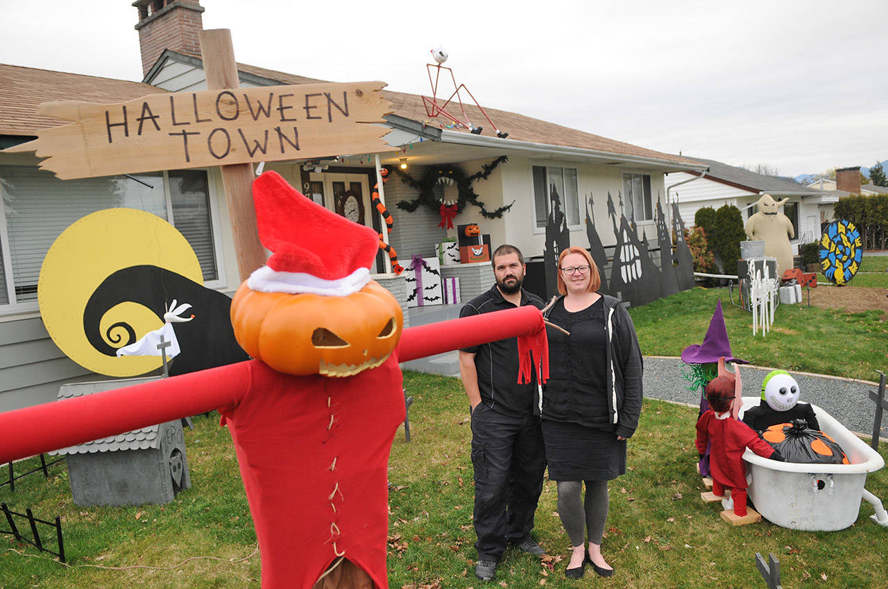 Halloween And Christmas.Uniquely Decorated Chilliwack Home Combines Halloween And