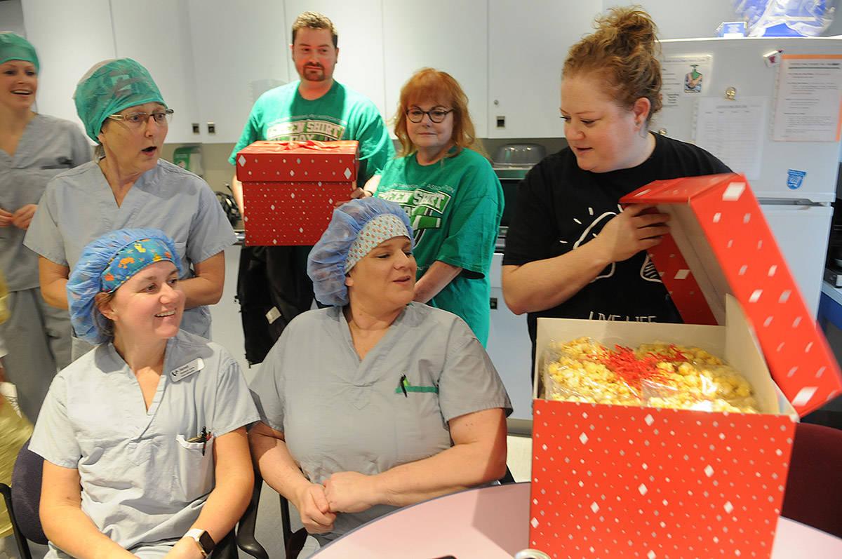 Chilliwack organ transplant recipients thank hospital staff during Operation Popcorn