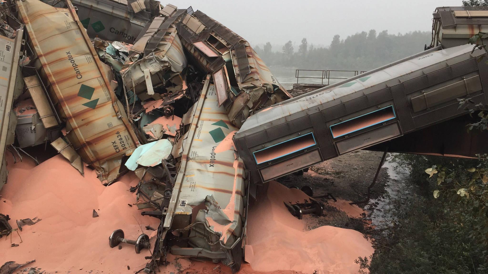 22690083_web1_200914-MCR-train-derailed-Hope-1_2.jpg