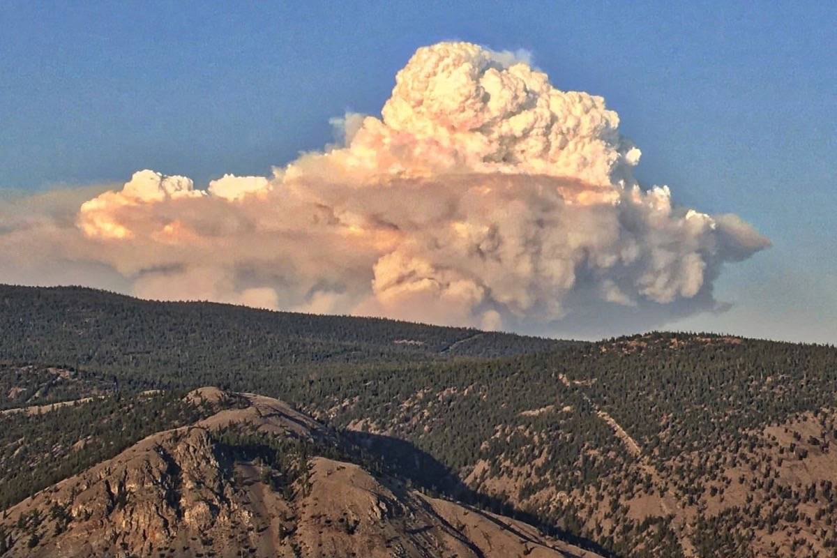 Smoke from a controlled burn in a portion of the Lytton Creek fire east of Spences Bridge on Aug. 3. (Photo credit: Dwayne Rourke)