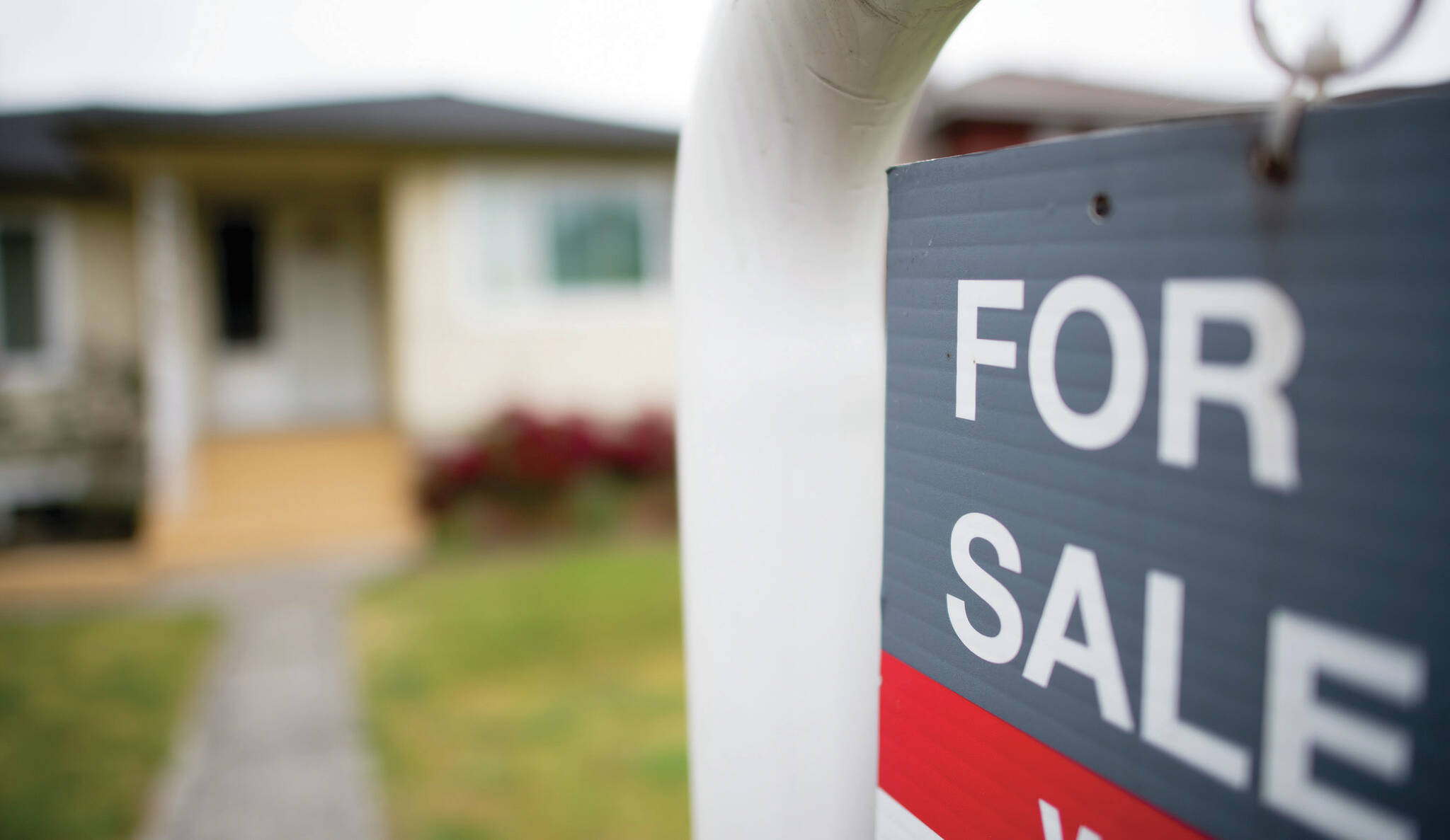 A real estate sign. (THE CANADIAN PRESS Jonathan Hayward)