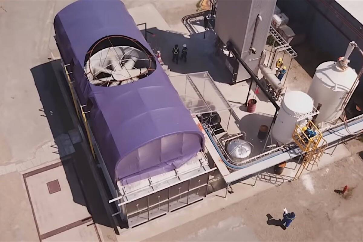 Carbon Engineering's pilot project at Squamish B.C. began in 2018, extracting carbon dioxide from air to convert to liquid fuel. Huron Clean Energy is building a similar facility with the Upper Nicola Band at Merritt B.C. (Carbon Engineering photo)