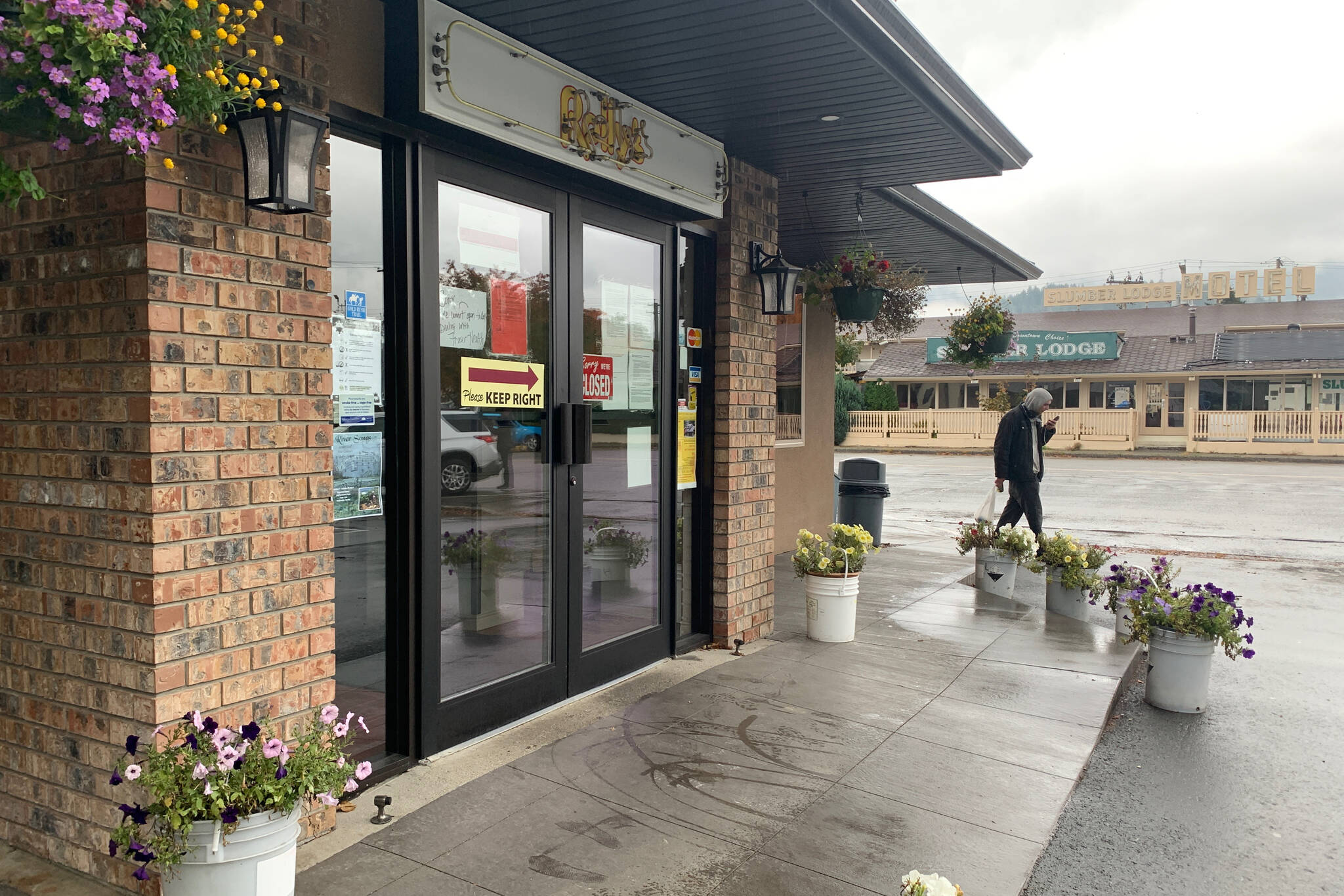 Rolly's Restaurant in Hope is closed on Oct. 20 as they fight to stay operating without a business licence. (Jessica Peters/ Hope Standard)